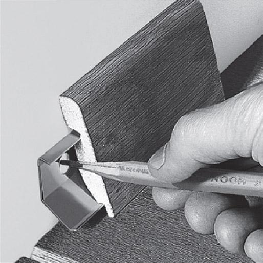 Установка плинтуса Квик Степ на универсальный крепеж